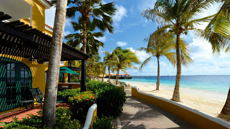 Honeymoon destinations the caribbean 39 s bonaire for Best honeymoon spots in the caribbean