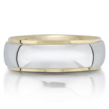 X4222/6GT is a two-tone wedding band that is 6mm wide.